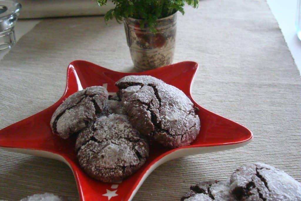 Christmas chocolate crackle cookies