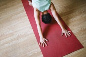 yoga beginners - a complete guide on how to start your yoga journey
